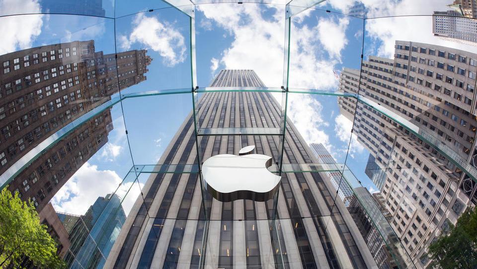 Apple prestol prepustil Microsoftu
