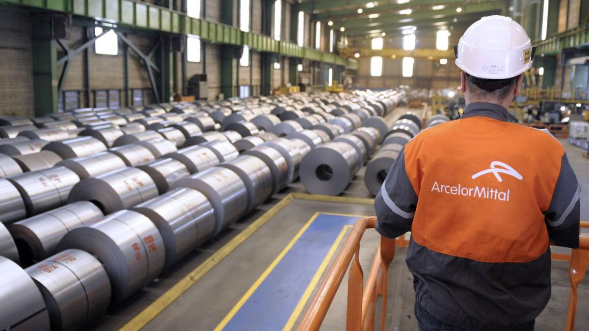 Arcelor-Mittal in Nippon Steel kupujeta indijskega jeklarja