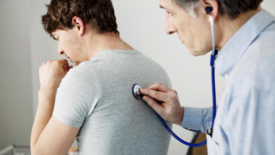 So vaši študenti opravili zdravniški pregled?