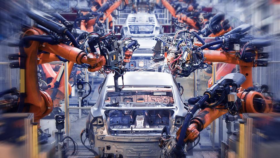 Koronavirus bo zbrisal vsaj 100 tisoč delovnih mest v avtoindustriji