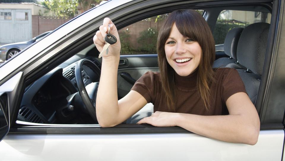 Popusti povečali decembrsko prodajo avtov za 13 odstotkov