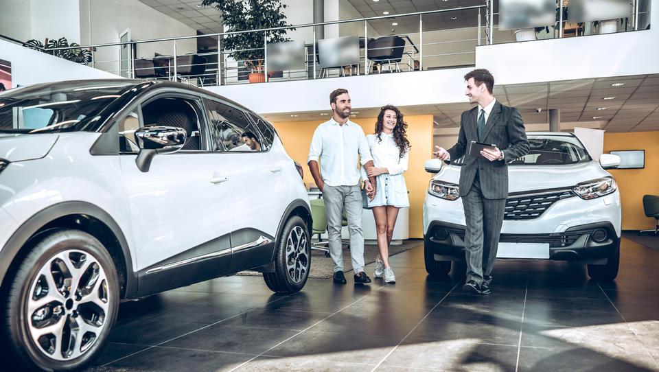Prodaja novih avtov v prvem polletju v EU je upadla za 3,1 odstotka