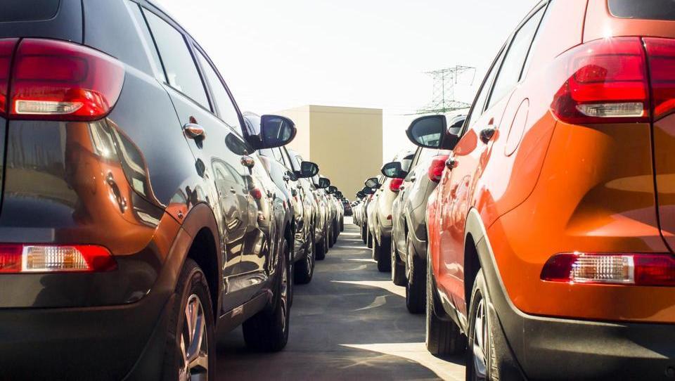 Nemci poskrbeli za rast prodaje avtov v Evropi, Hrvati so nam tesno za petami