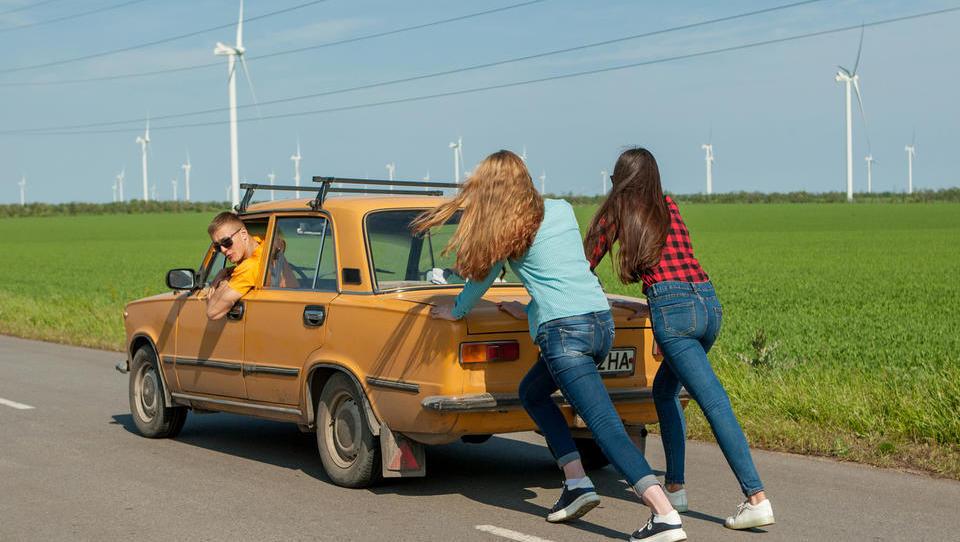 Zavarovanja avtomobilov: kakšne popuste si lahko izpogajate pri zavarovalnicah?