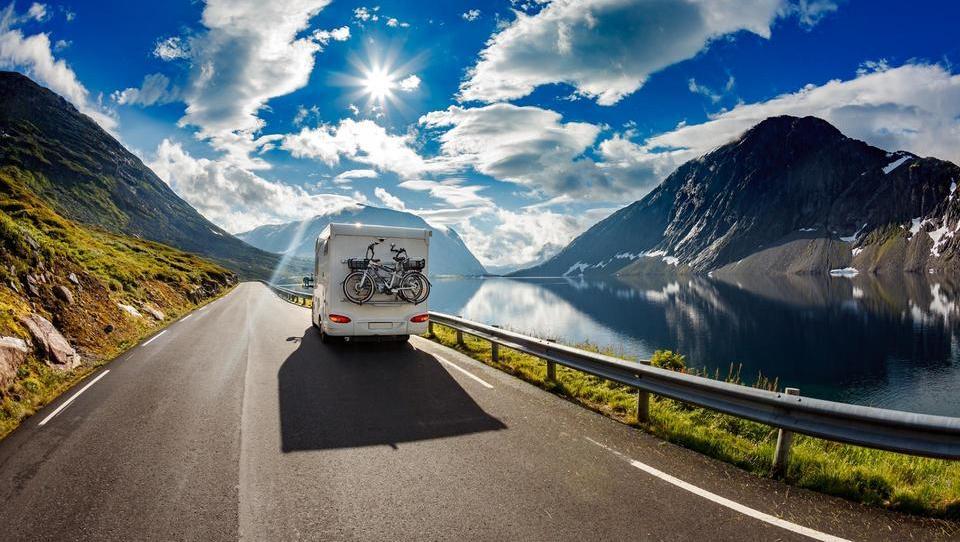 Je dva tisoč evrov dovolj za 14-dnevno avanturo z avtodomom?