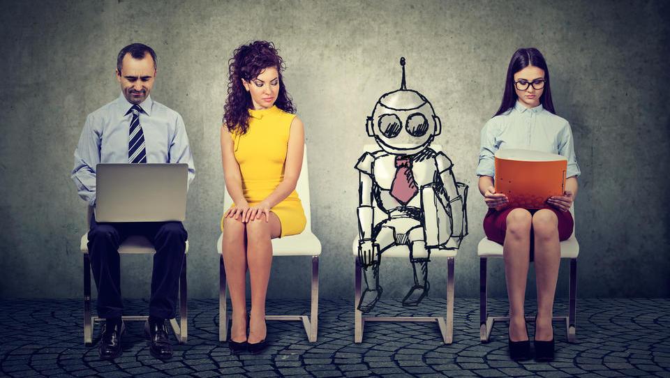 OECD: Avtomatizacija v Sloveniji ogroža četrtino služb, še enkrat toliko jih bo pomembno spremenila