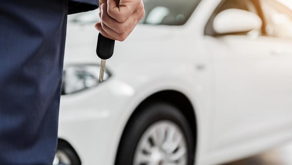 Pasti, ki prežijo na vas pri prodaji ali nakupu avta