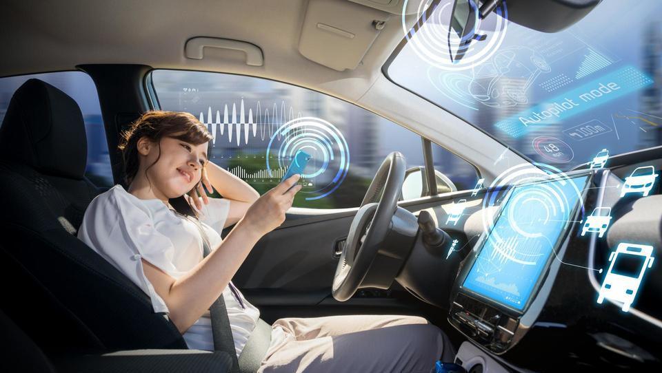 Mobilnost Nova partnerstva pri razvoju avtonomnih vozil