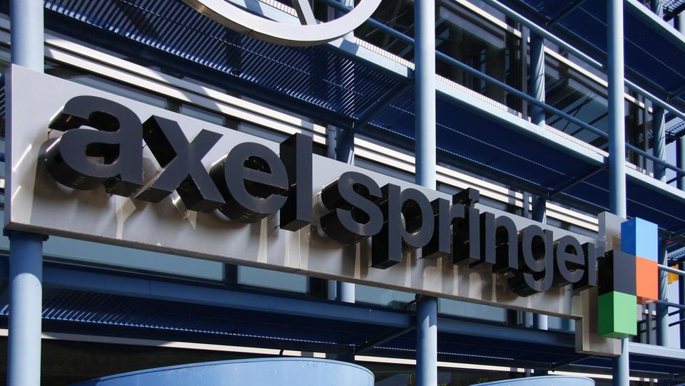 Nekdanji lastnik Telemacha kupuje nemški Axel Springer za 6,8 milijarde evorv