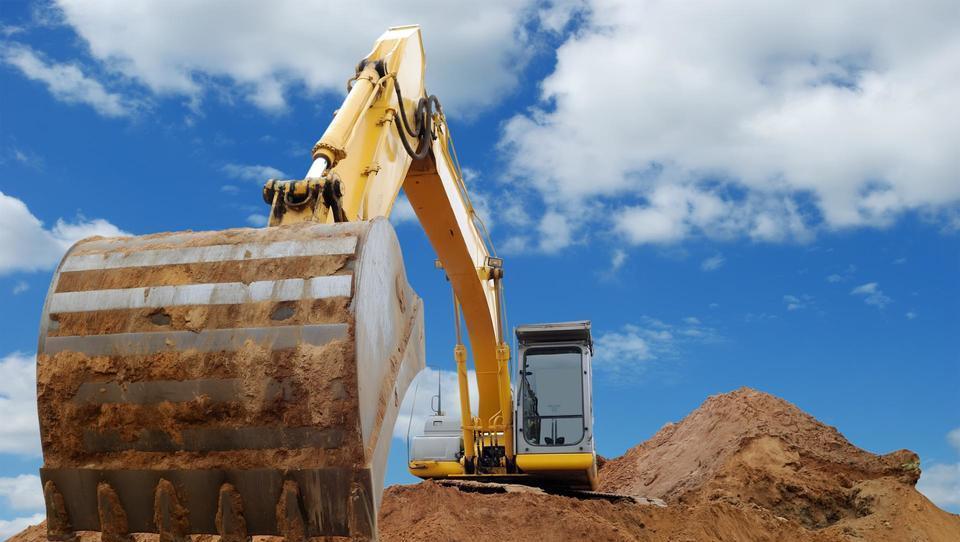 Lani prodali za tretjino več gradbenih strojev kot predlanskim