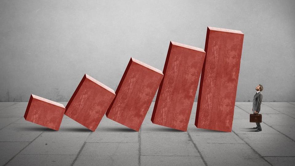 Bruselj sklestil napoved za slovensko gospodarsko rast na 3,1