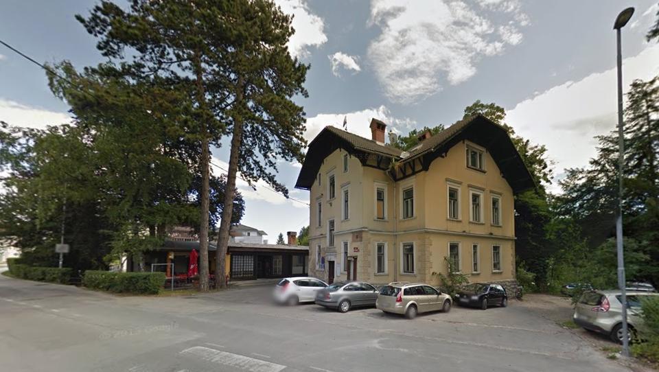 Strici iz davčnih oaz na dražbo pošiljajo vilo na Bledu