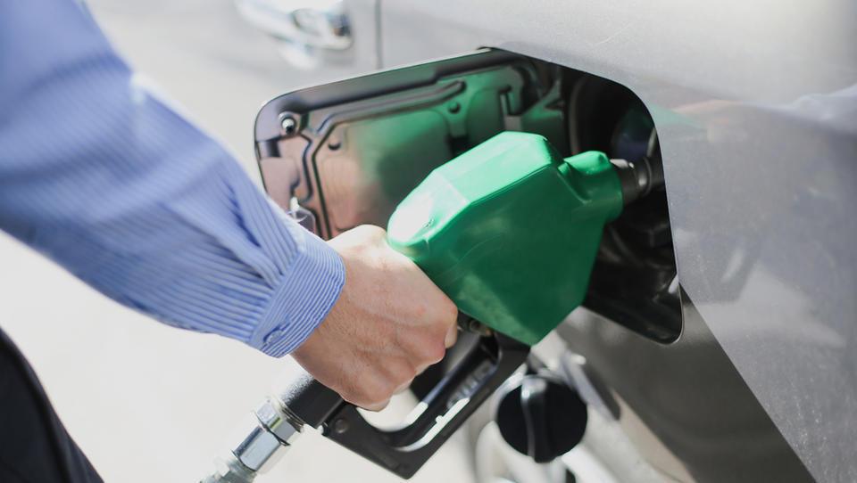 Se bodo goriva znova pocenila?