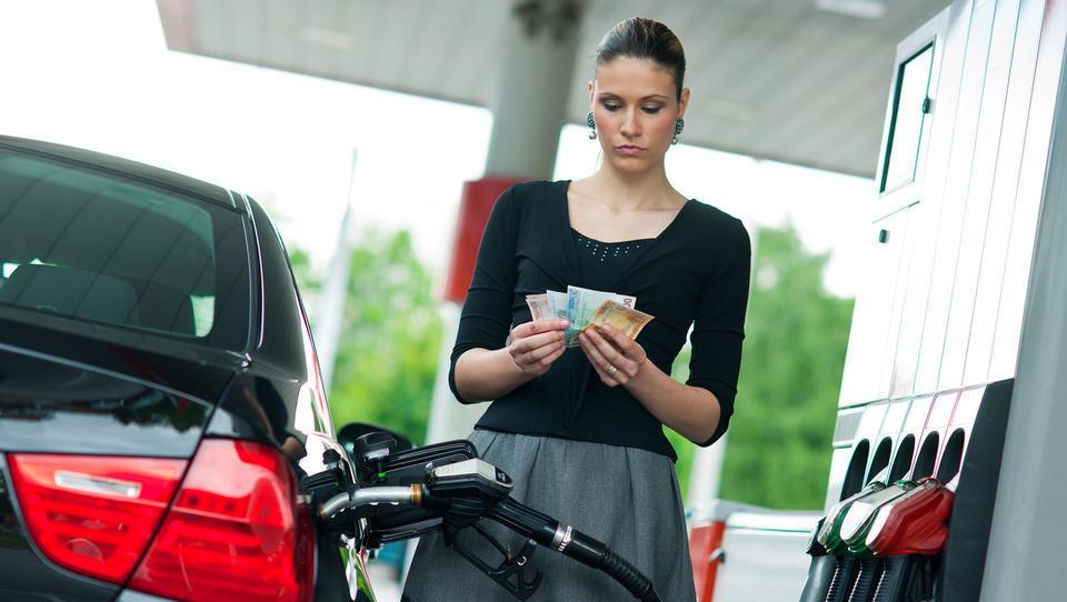 Bo v torek gorivo spet dražje?