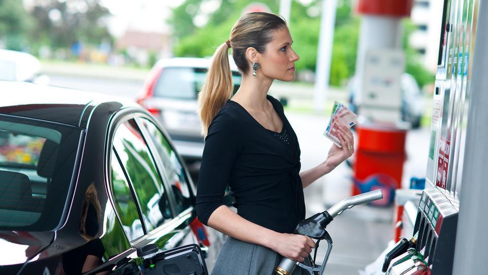 Kakšna bo torkova cena dizla in bencina?