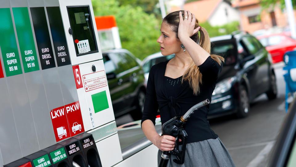 Naj vas poraba goriva ne vrže iz tira