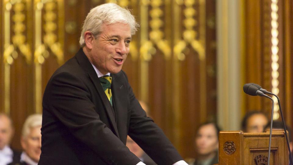 Veljati je začel zakon o preprečitvi trdega brexita; suspenz parlamenta se začenja danes; poslavlja se predsednik parlamenta Bercow
