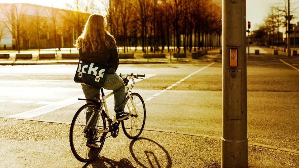 Evropska mesta: jemljejo prostor avtom, dajejo pešcem in kolesarjem