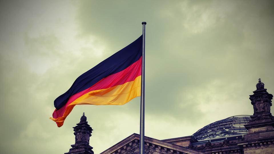 Bloomberg: Nemčija v izdajo 30-letne obveznice z obrestno mero nič