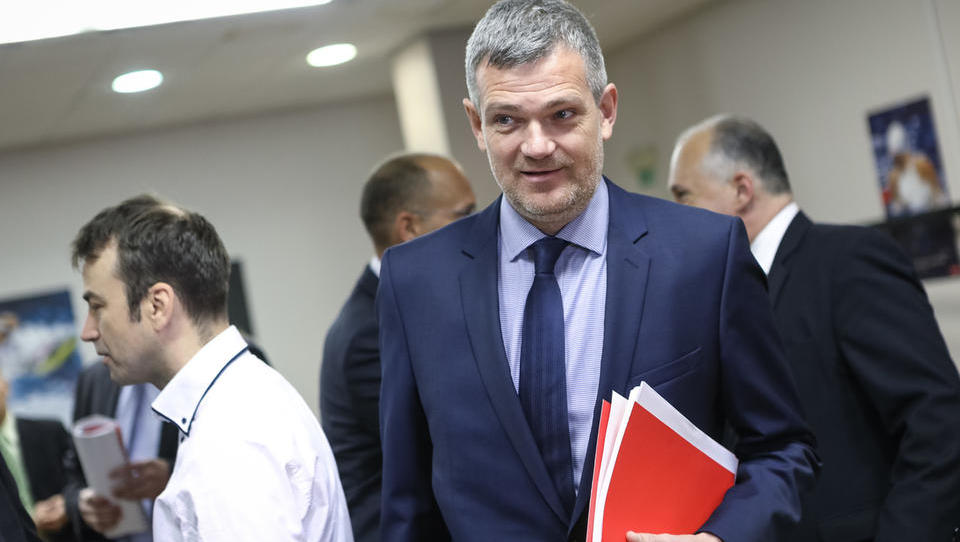Petrol objavil nekaj podrobnosti o odhodu Berločnikove uprave - ta sporoča: gre za enostranska pojasnila
