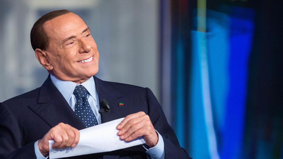 (italijanske volitve) Po prvih podatkih zmaga Berlusconijevi desni koaliciji, posamičen triumf za 5 zvezd, Renzi pa bog pomagaj