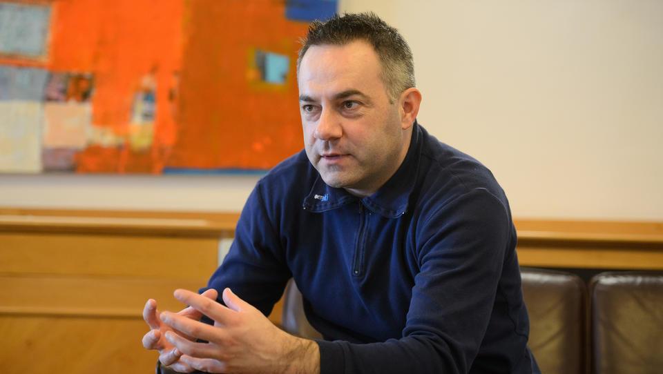 Bešič Loredan poziva k odstopu ministrice Kolarjeve