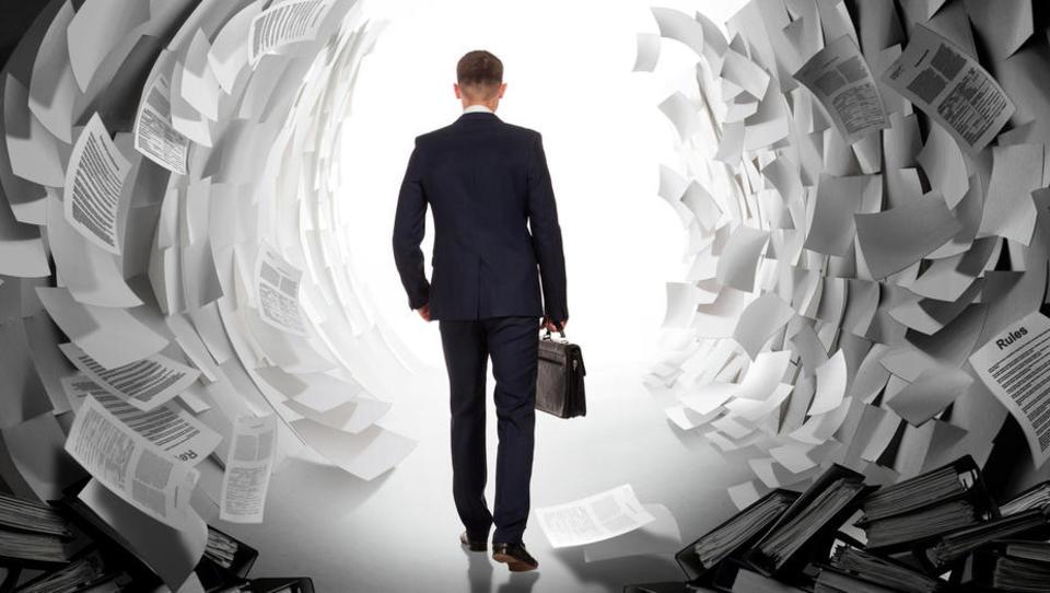 Pozor! Prihaja čas davčnih obračunov. Kaj morate vedeti?
