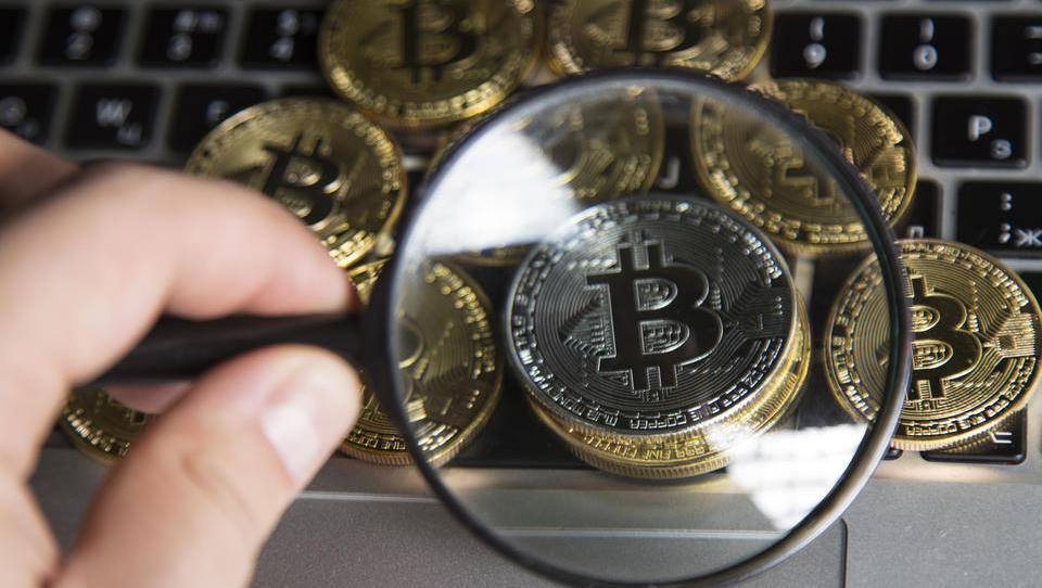 Davkarji pri kriptofinančnikih odkrili za skoraj 32 milijonov evrov dodatnega davka