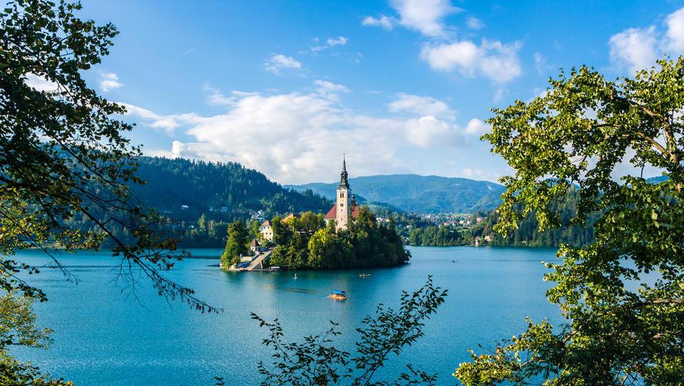 Verpassen Sie nicht Nachrichten aus und Möglichkeiten in Slowenien
