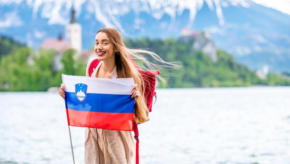 Od kod prihajajo novi državljani Slovenije in katera državljanstva pridobivajo Slovenci
