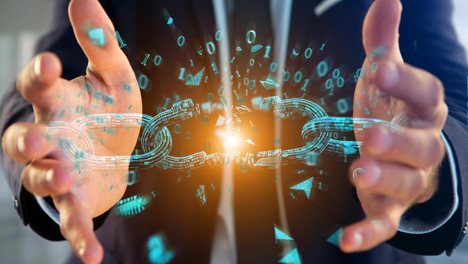 Blockchain zadruga, ki jo je podprla Cerarjeva vlada, eno leto po ustanovitvi v stečaj