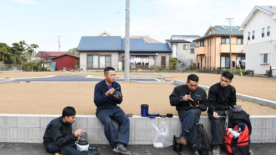 Japonska na široko odpira vrata »gastarbajtarjem«