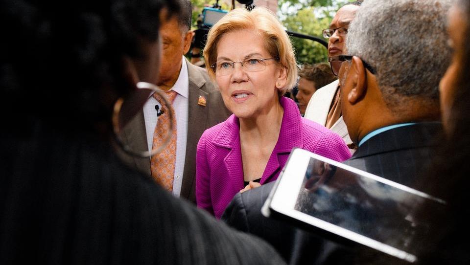 Lahko Elizabeth Warren leta 2020 premaga Trumpa? Tu je njen radikalen načrt.