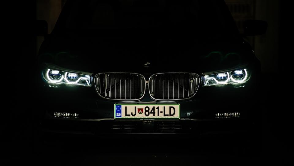 BMW po slabem januarju nazaj na prestol nemške trojice