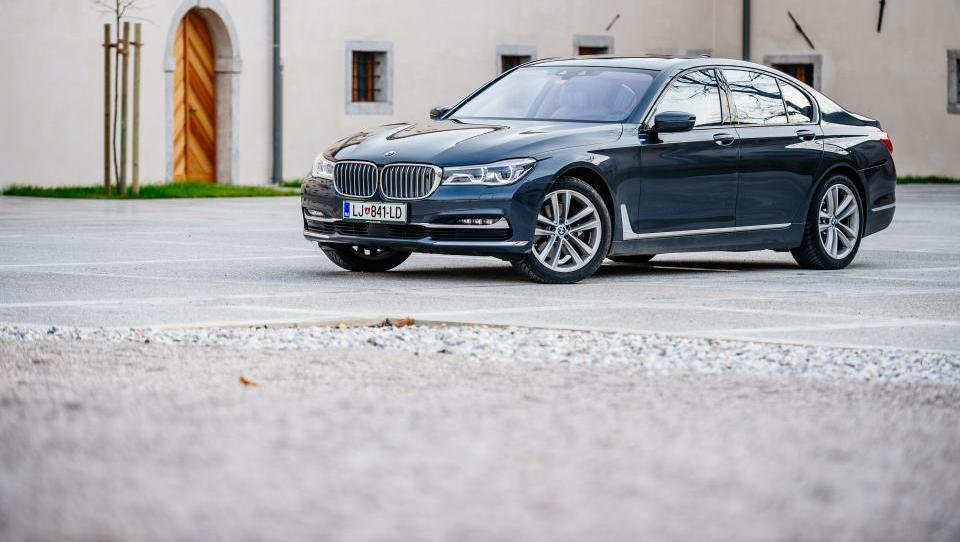 BMW serije 7: Umetnina iz jekla, aluminija in karbona
