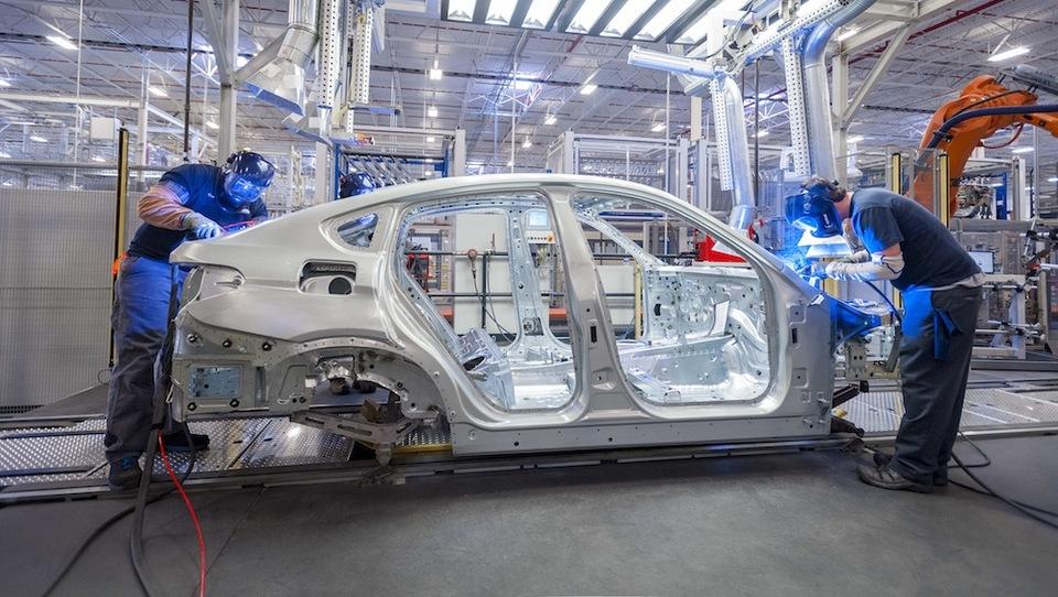 BMW išče 8.000 strokovnjakov