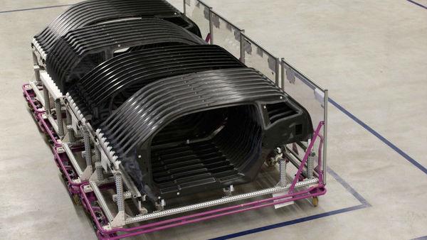 BMW prihodnost vidi v karbonu