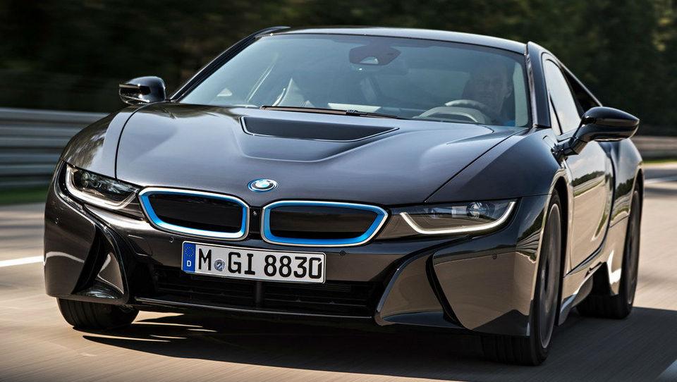 BMW bo povečal dividendo