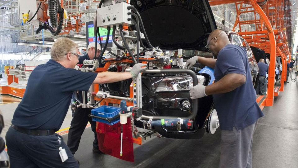 BMW krepi proizvodnjo v ZDA in načrtuje X7