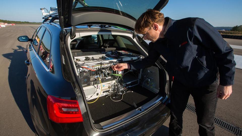 Top službe v informatiki - Robert Bosch Car Multimedia, Sparkasse, Celtra in še 10 drugih podjetij išče okrepitve