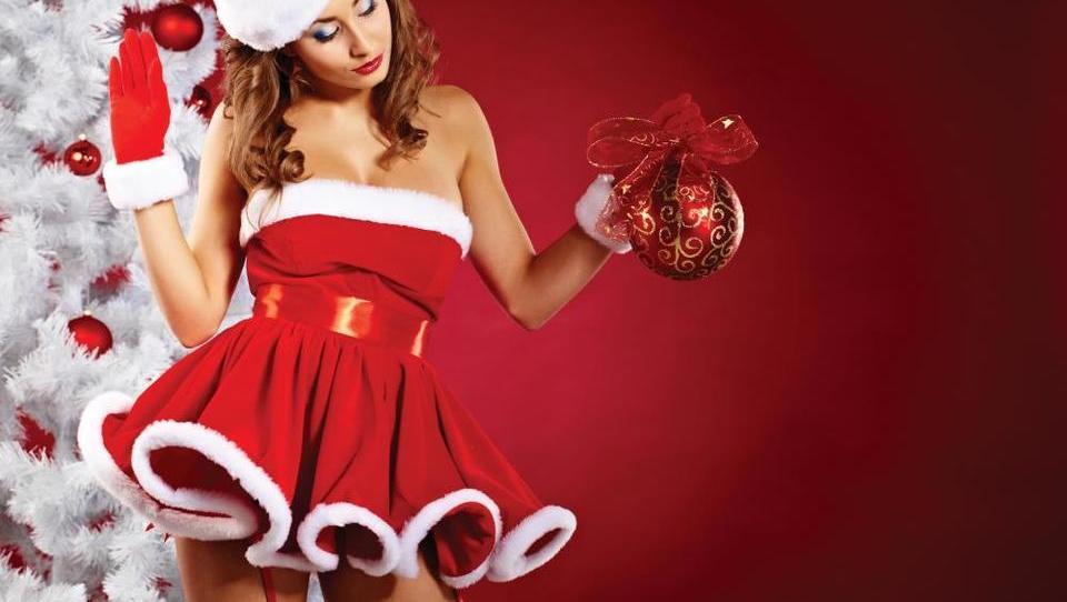 (DAVKI) Neto božičnice bodo višje, normiranci pa ostajate skoraj nedotaknjeni!