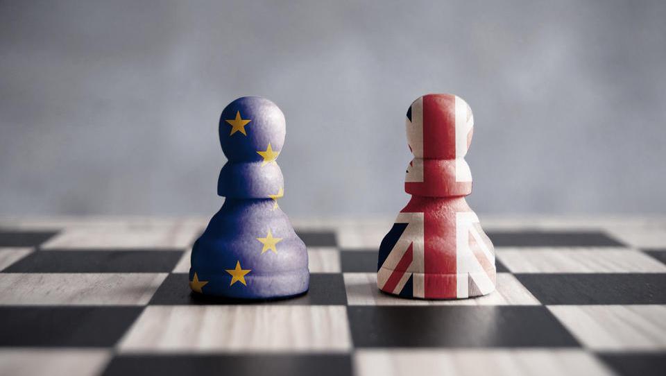 (časovnica) Brexit se bo zgodil marca prihodnje leto - katere odločitve je pričakovati do takrat