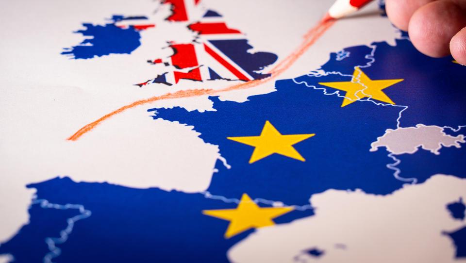 Trije britanski ministri pozivajo k preložitvi brexita