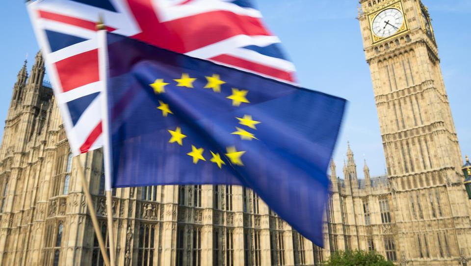 Brexitovski paradoks: sodišče EU bo presojalo, ali VB lahko ustavi postopek izstopa iz EU