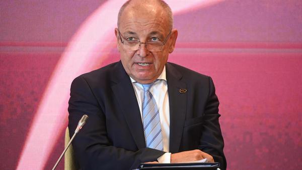 Minister Šircelj: Ne bomo še nižali nobenih dajatev na energente. Kaj hoče gospodarstvo? thumbnail