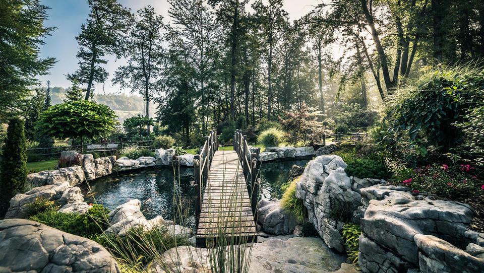 Osupljiv ambient za poslovne dogodke v naravi