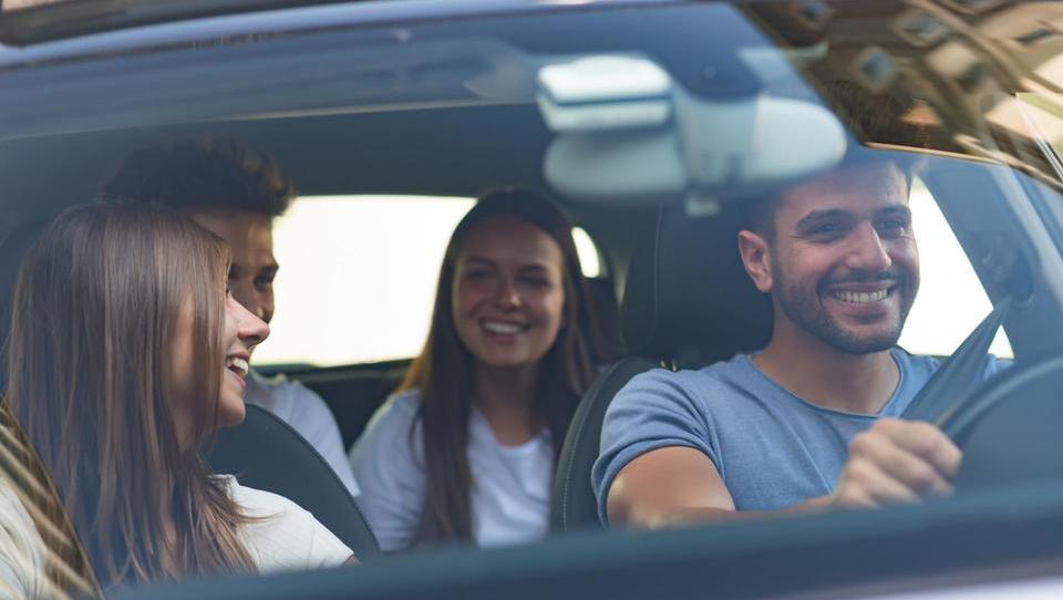 Brez avta ne moremo, pa ga znamo pametno uporabljati?