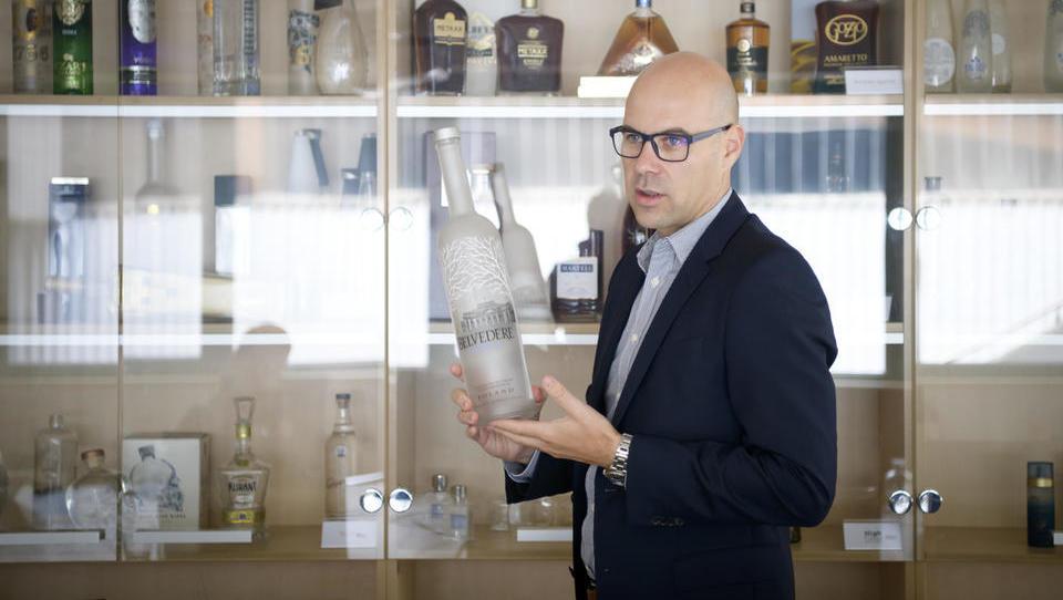 Steklarna Hrastnik na krilih odličnega rezultata predčasno v 24,6-milijonsko naložbo