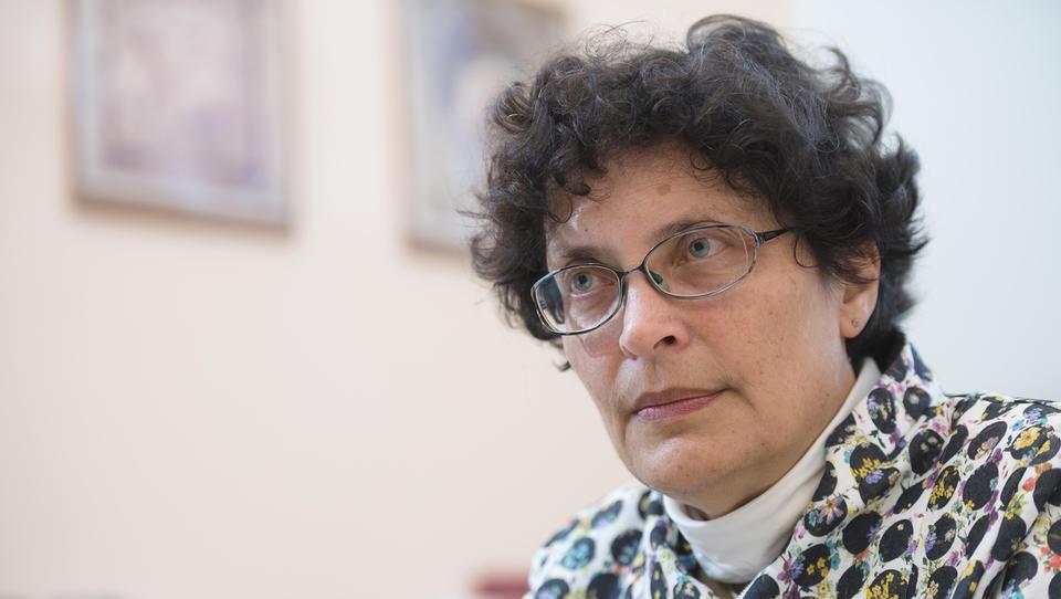 Kaj potrebuje naše zdravstvo? Zdenka Čebašek Travnik: Dodatnih 1,5 milijarde evrov v treh letih!