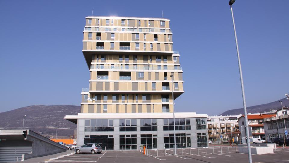 V Novi Gorici kupci pograbili 11 stanovanj